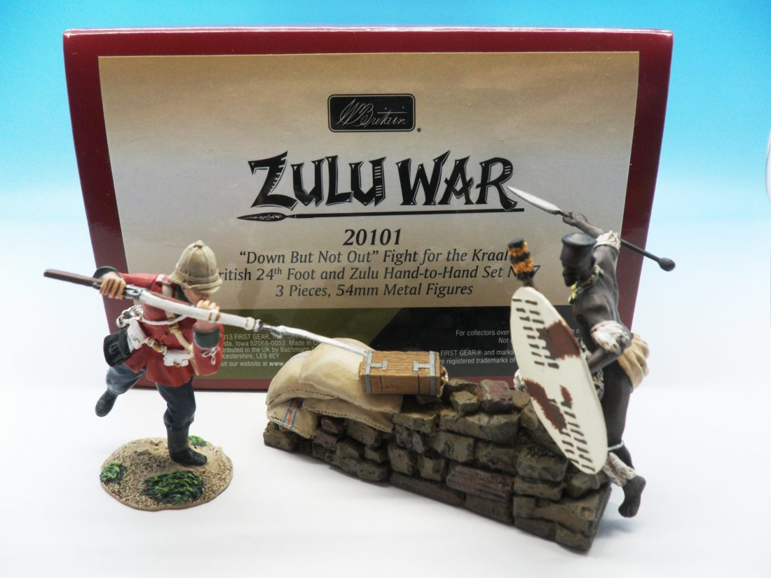 Britains Zulu War Down But Not Out Fight For Kraal British 24th Foot and Zulu Hand To Hand set 20101 54mm