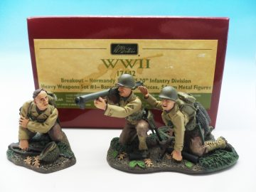 BRITAINS WWII BREAKOUT NORMANDY 1944 US 30TH BAZOOKA TEAM SET 1 17642 54MM