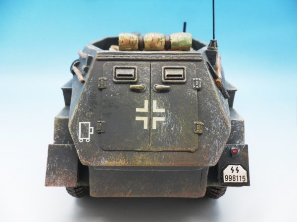 King & Country Battle of the Bulge Otto Skorzeny's Command Car BBG039 130 (1)