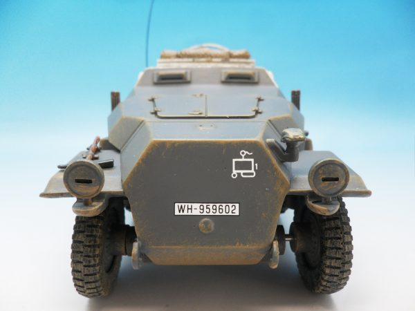 King & Country WW2 Wehrmact Sd.Kfz251 Armoured Ambulance WH005 130 (5)