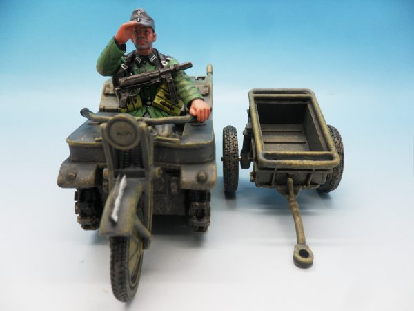 King & Country WW2 Wehrmact Sd.Kfz.2 Kettenkrad and trailer WH023 130 (3)