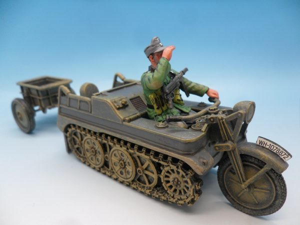 King & Country WW2 Wehrmact Sd.Kfz.2 Kettenkrad and trailer WH023 130 (4)
