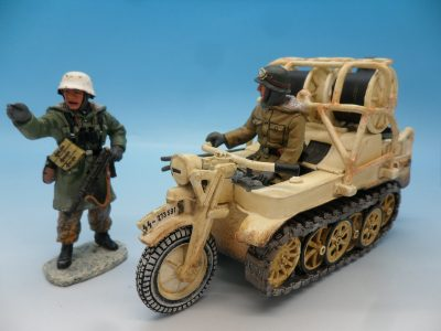 King and Country WW2 German Forces Kettenrad Halftrack Motorcycle WSS81 130 (2)