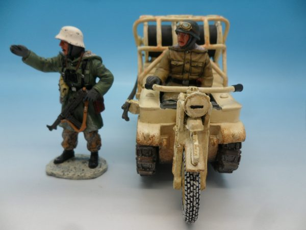 King and Country WW2 German Forces Kettenrad Halftrack Motorcycle WSS81 130 (3)
