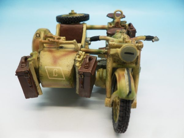 King and Country WW2 German Forces Road Block 2 Dismounted Eldgendarmes and motorcycle WSS88 130 (1)