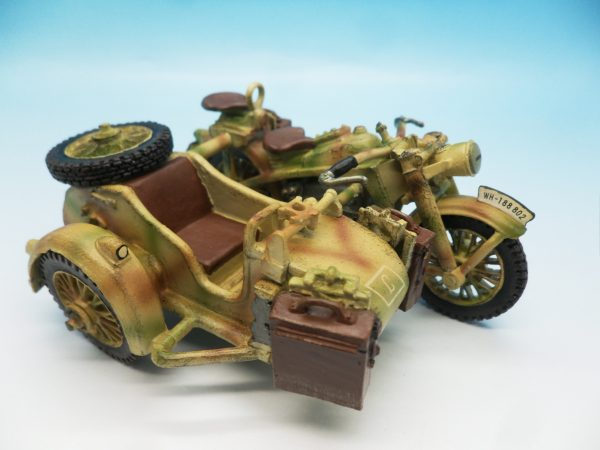 King and Country WW2 German Forces Road Block 2 Dismounted Eldgendarmes and motorcycle WSS88 130 (5)