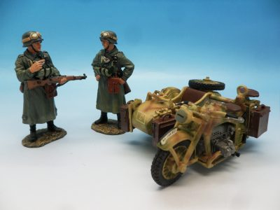 King and Country WW2 German Forces Road Block 2 Dismounted Eldgendarmes and motorcycle WSS88 130 (7)