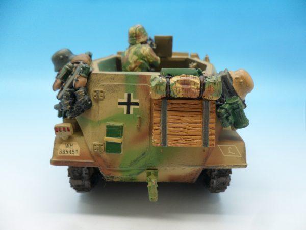 King and Country WW2 German Forces Schutzenpanzerwagen WSS121130 (4)